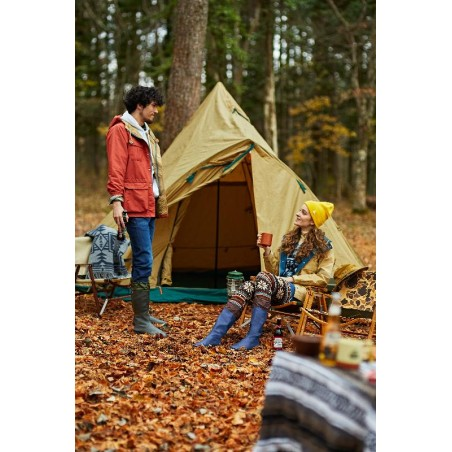 perfect for use in all kinds of outdoor settings, including campgrounds, fishing trips, and open-air festivals.